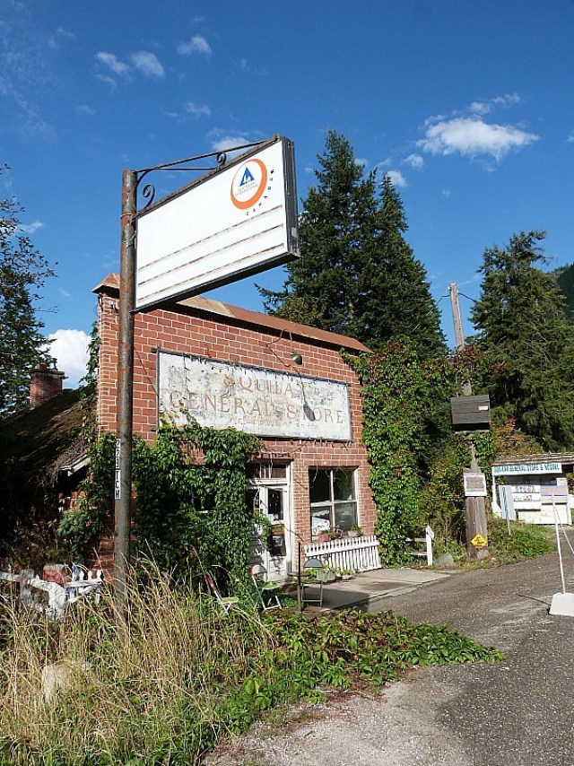 The HI Hostel where we Help X'd in the Shuswap during our Canada on a Budget Adventure