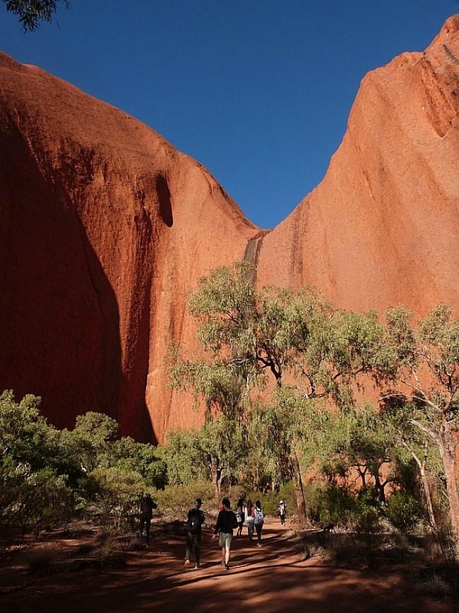 Hiking the base walk around Uluru in the Australian Outback