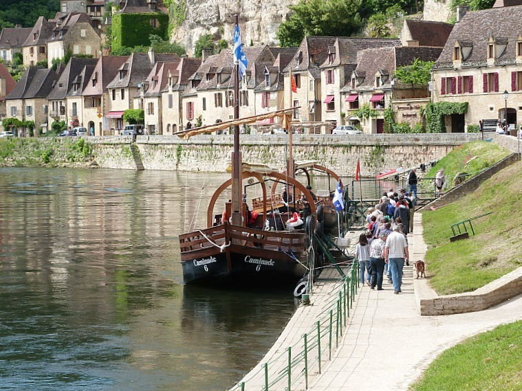 Exploring France's Chateau-dotted Dordogne Region