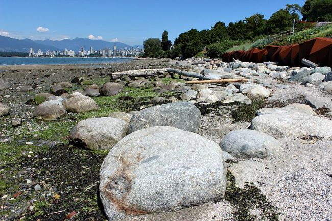 The Best Vancouver Itinerary: 4 Days in Summer. Kitsilano Foreshore - a perfect summer's day out in Vancouver