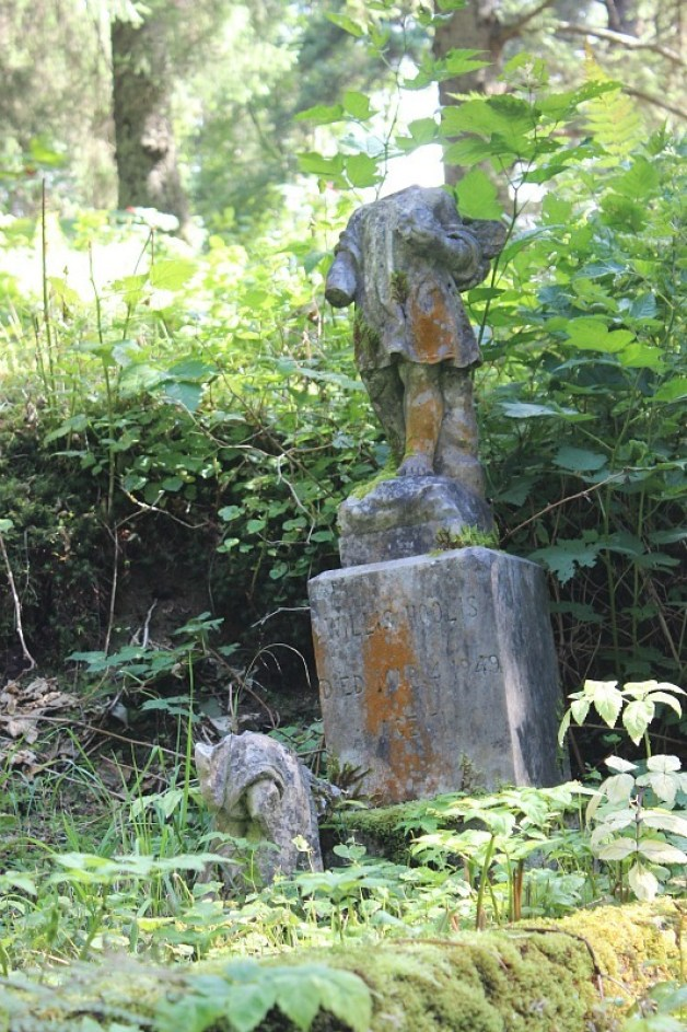 Headless angel at Sitka Russian Cemetery