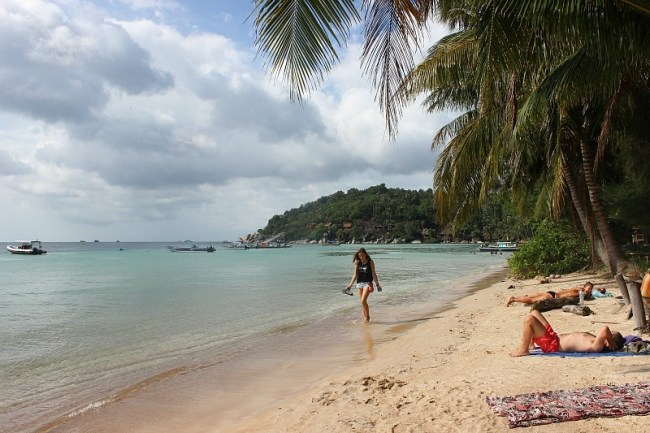 Sairee beach on Koh Tao during month six of digital nomad life