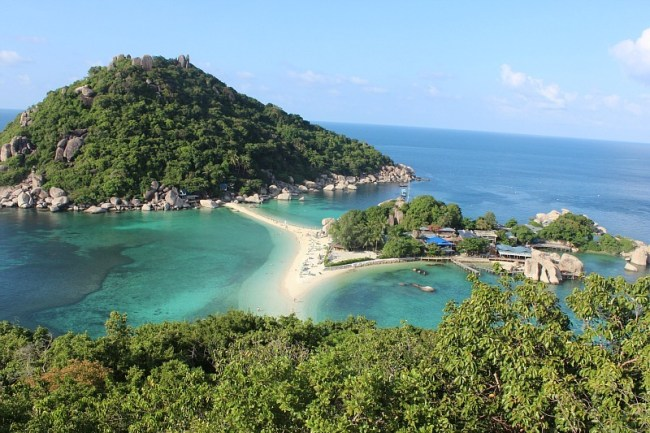 Climbing to the viewpoint on Koh Nang Yuan during month six of Digital Nomad Life