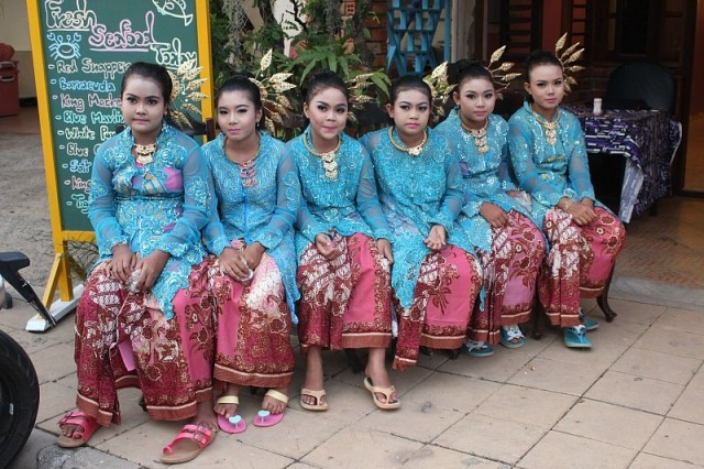 Costumed girls on Koh Lanta for Loy Krathong