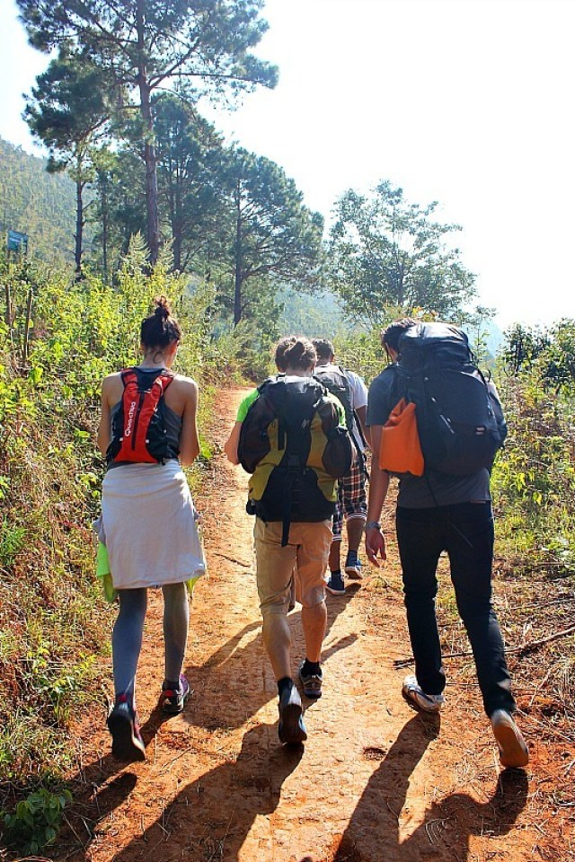 Setting out - trekking from Kalaw to Inle Lake
