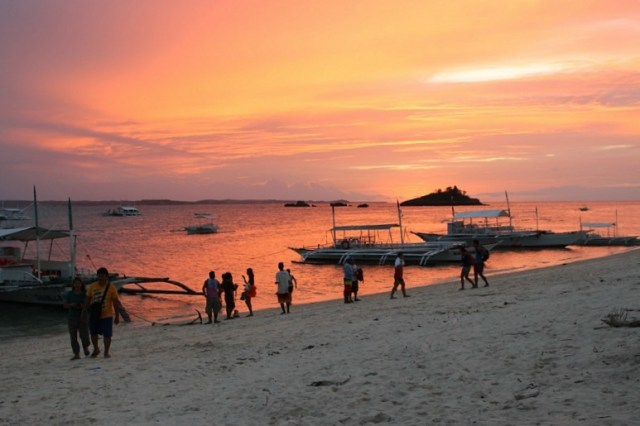 peach-sunset-on Malapascua Island