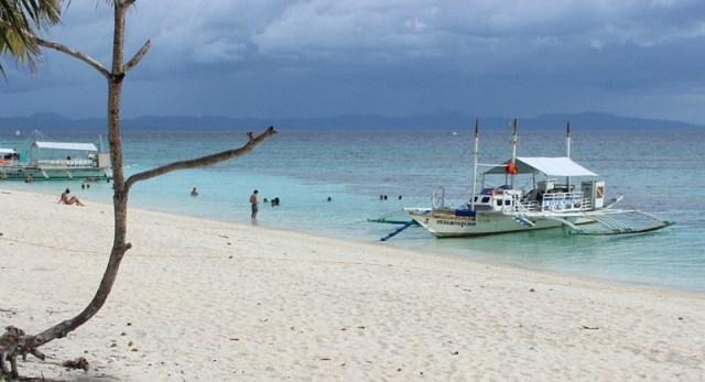 boats-docked-on Kalanggaman Island