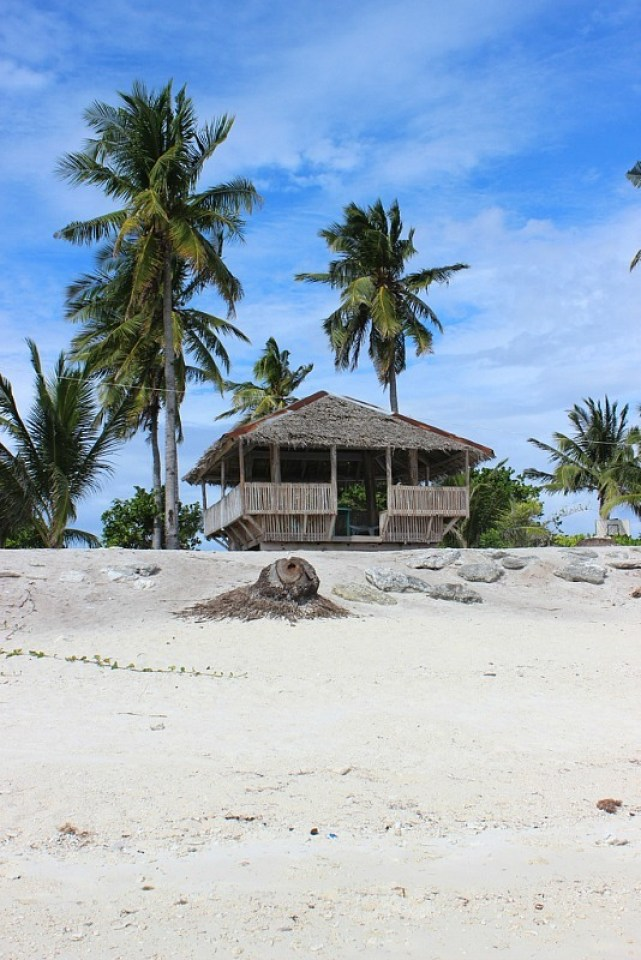 day-use-pagoda-on Kalanggaman Island