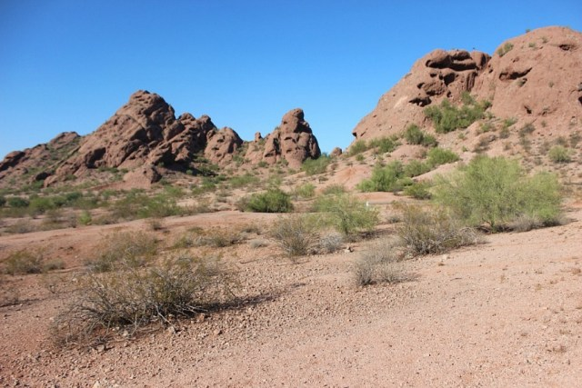 hiking-around-phoenix during month 17 of digital nomad life