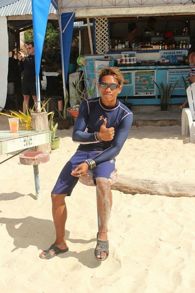 Our guide for El Nido island hopping tour A