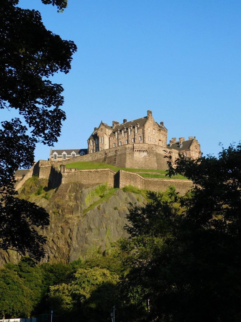 Returning to Edinburgh has been a highlight of my nomadic life.   The World on my Necklace #Edinburgh #nomadiclife