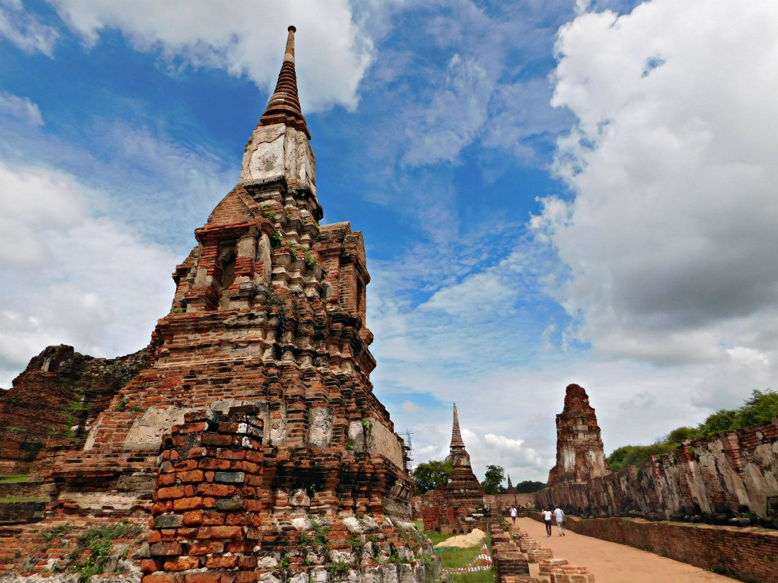 Visiting the temples of Ayutthaya in Thailand
