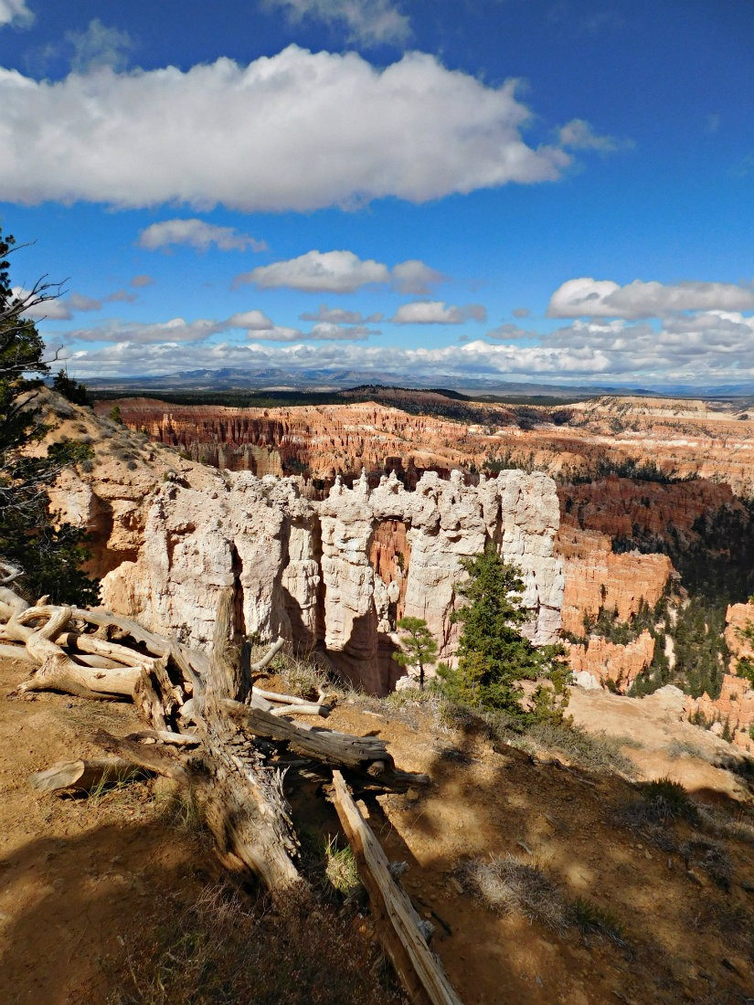 Hiking at Bryce Canyon National Park in Utah