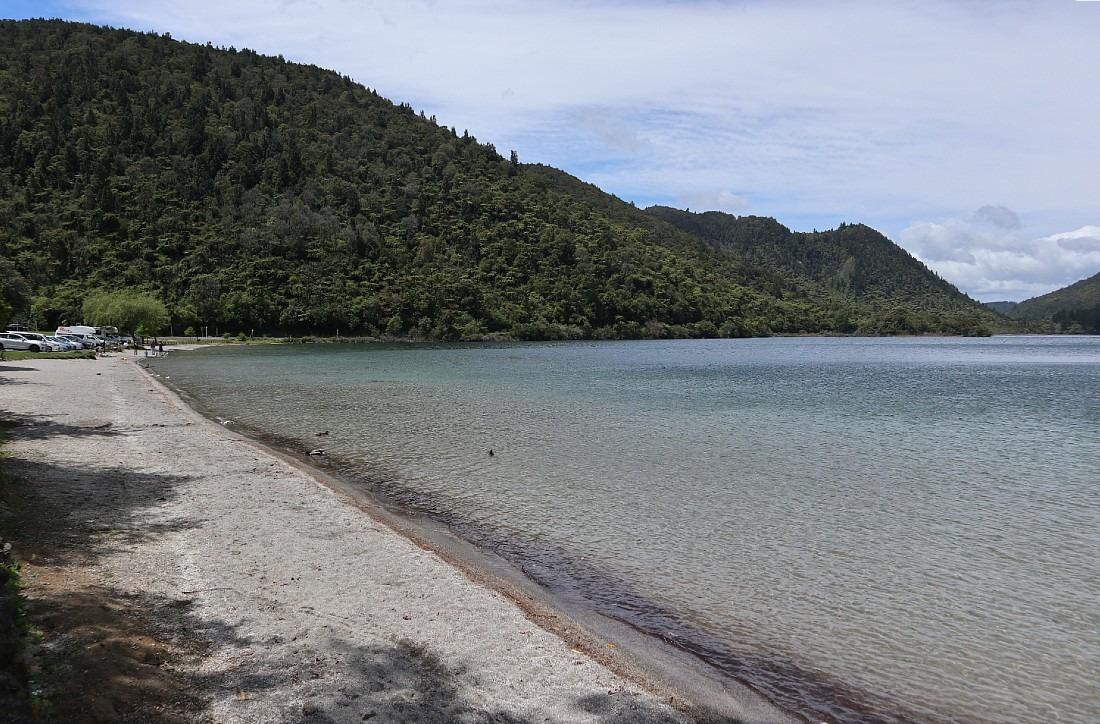 Blue Lake in Rotorua, NZ
