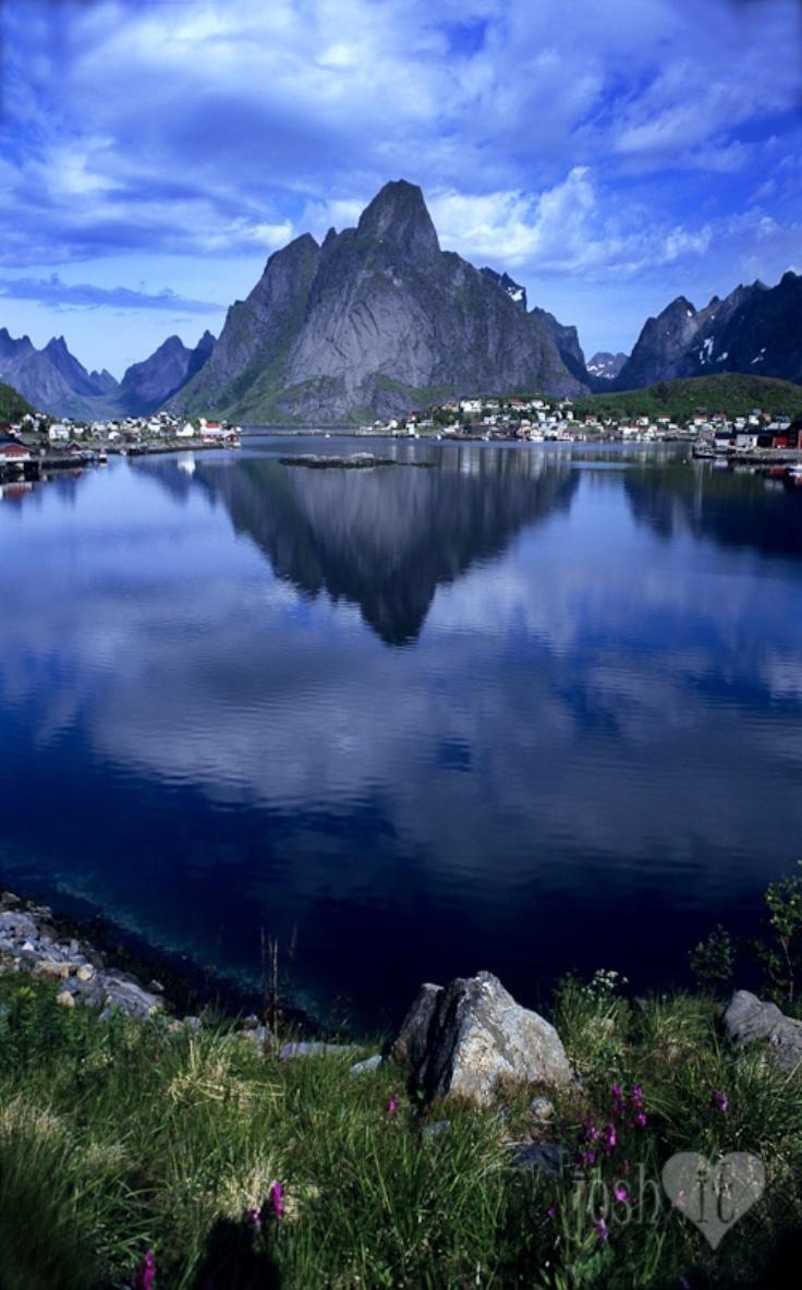 Travel Norways Scandinavian Fishing Village