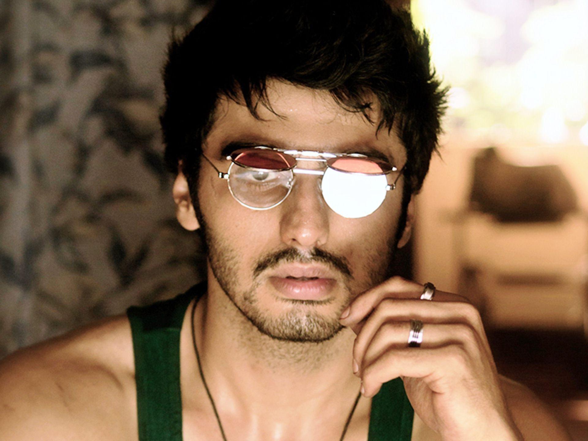 Arjun-Kapoor-In-Finding-Fanny-Photos