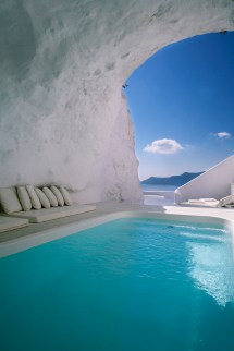OIA in Santorini Greece Katikies Hotel