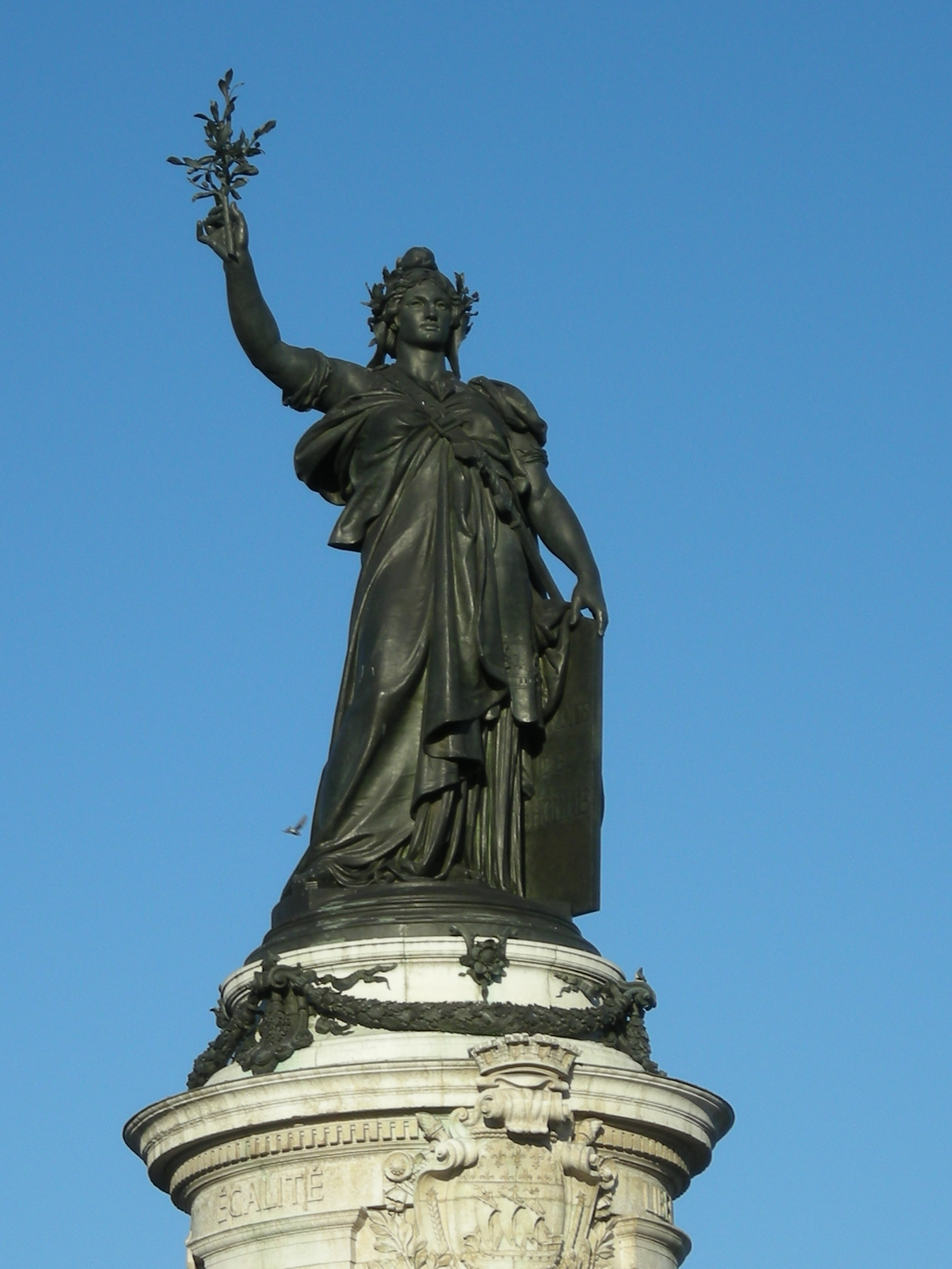 60 Pictures Of Famous Statues In The World