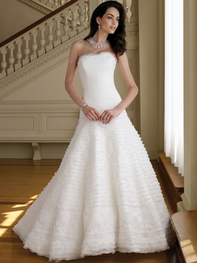 27 Elegant And Cheap Wedding Dresses