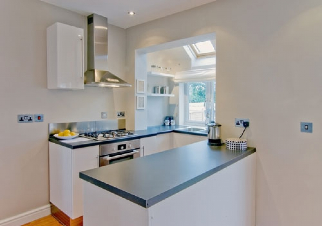 comfortable 28 small kitchen design ideas principlesofafreesociety