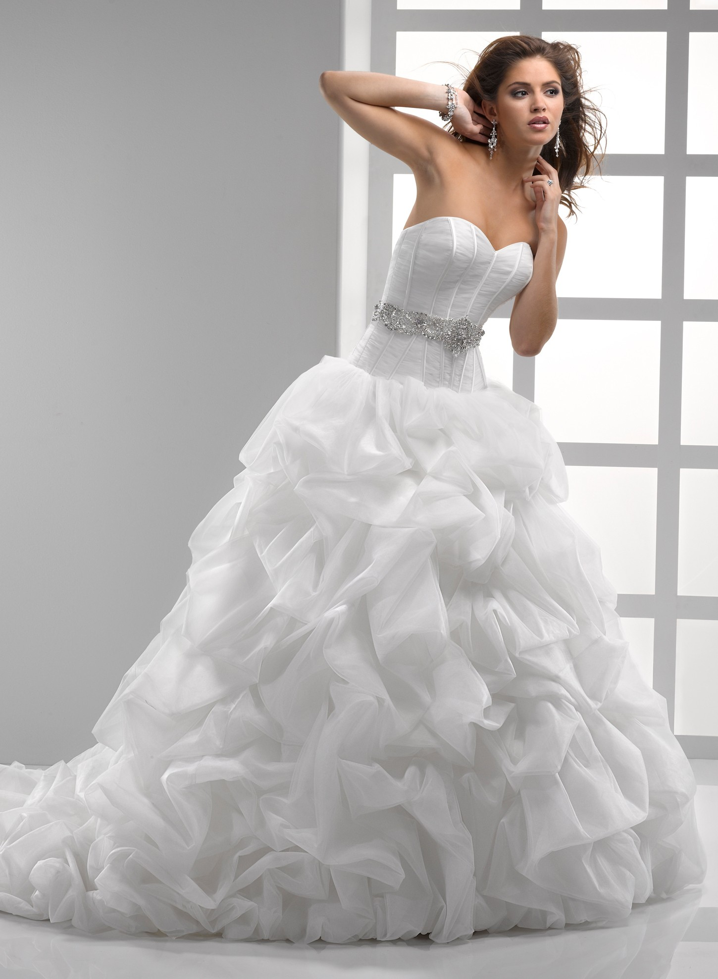 The Irresistible Attraction of Ball Gown Wedding Dresses  The WoW Style