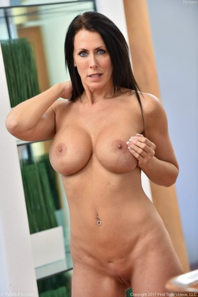 milf with gorgeous tits