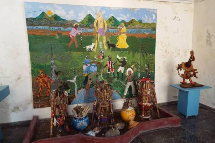 Display about the Santeria religion at the Regla Museum