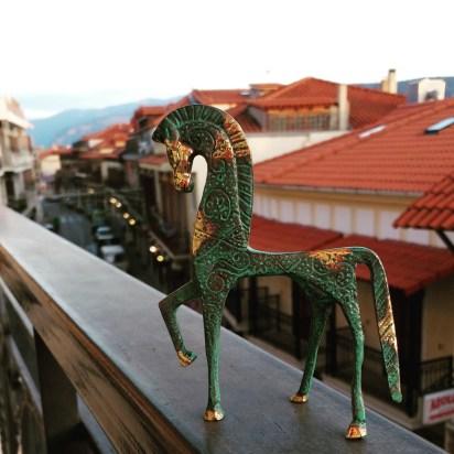 Souvenir horse, Delphi