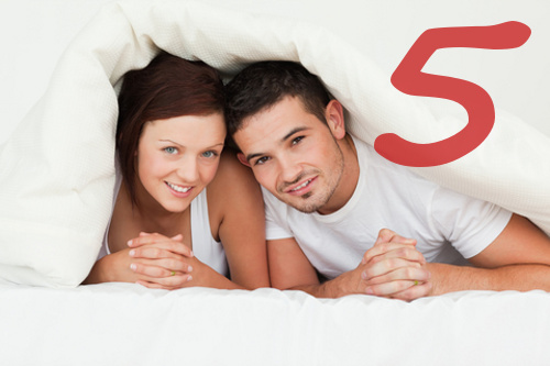 Couple in bed © Wavebreakmediamicro | Dreamstime.com