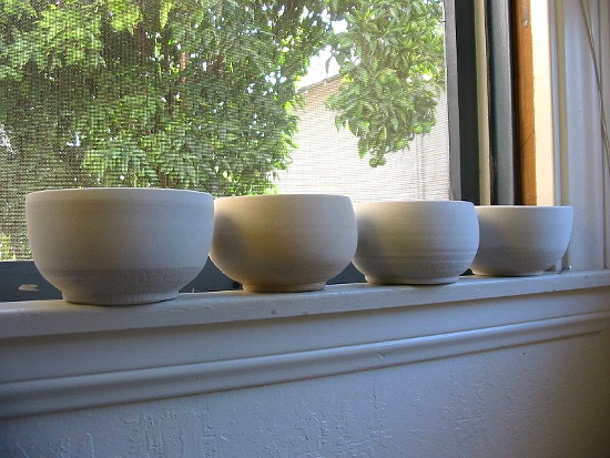 Bowls © quinn norton (Flickr) | Wikimedia Commons