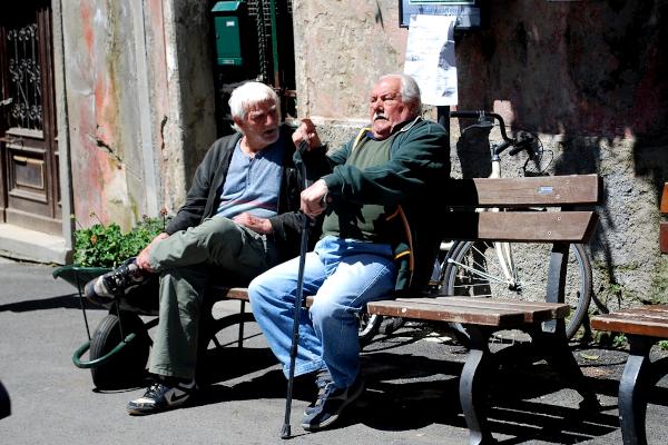 Two old men arguing