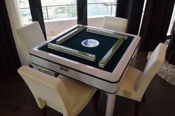 eaglewings-mahjong-table