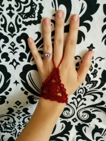 lacy gloves from barefoot sandal pattern