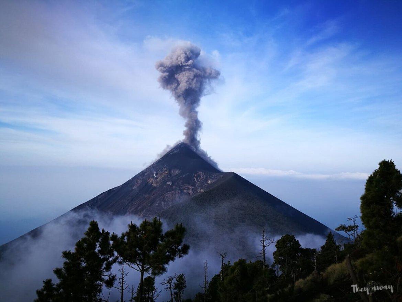 Wulkan Fuego erupcja