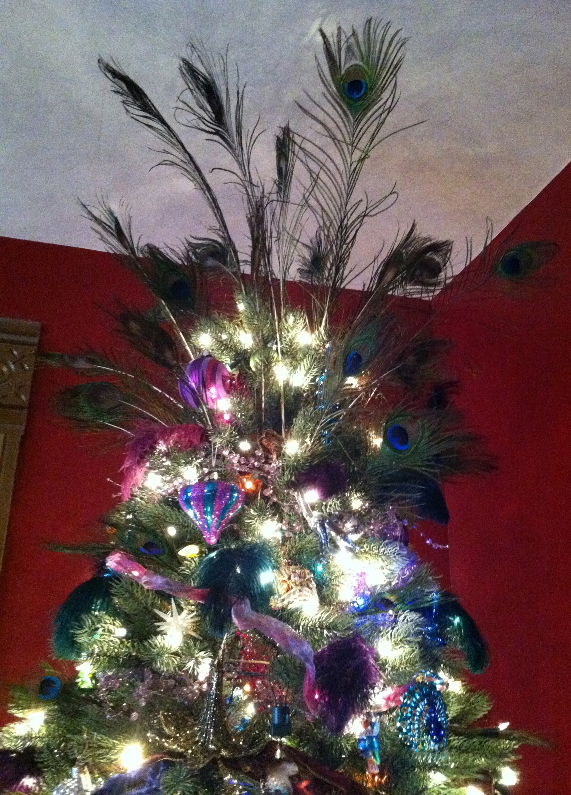 How to Trim Your Christmas Tree Like a Proand Some Unusual and Cheap Holiday Tree Decorating