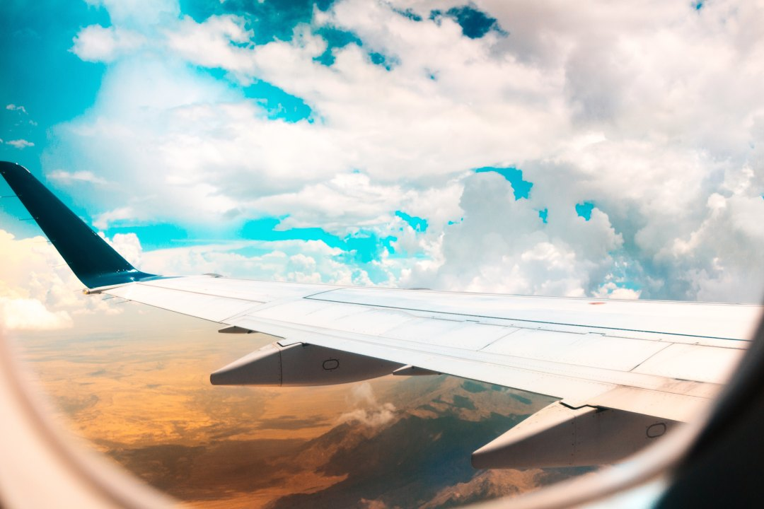 do's and don'ts of planning a plane trip with children