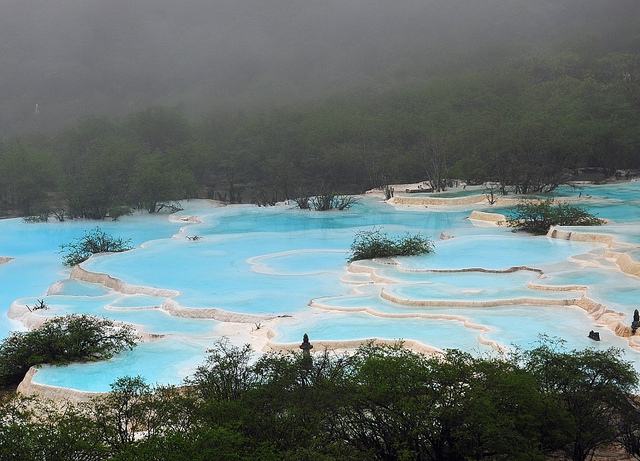 Naturally colourful pools, Huanglong National Park - Cowboy6688 Flickr