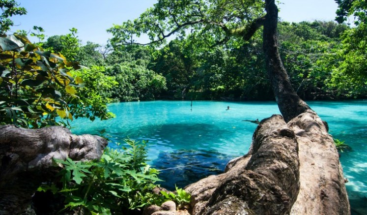 The Famous Blue Lagoon - Jamaica Travel Destination Photos
