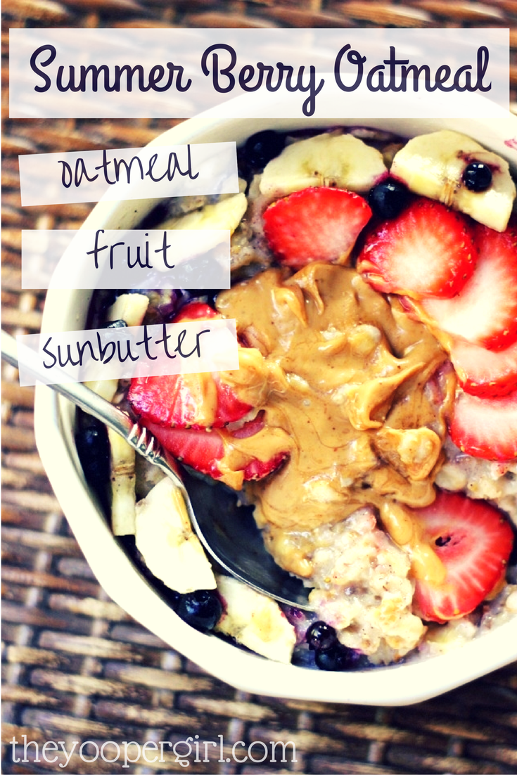 Summer Berry Oatmeal on theyoopergirl.com