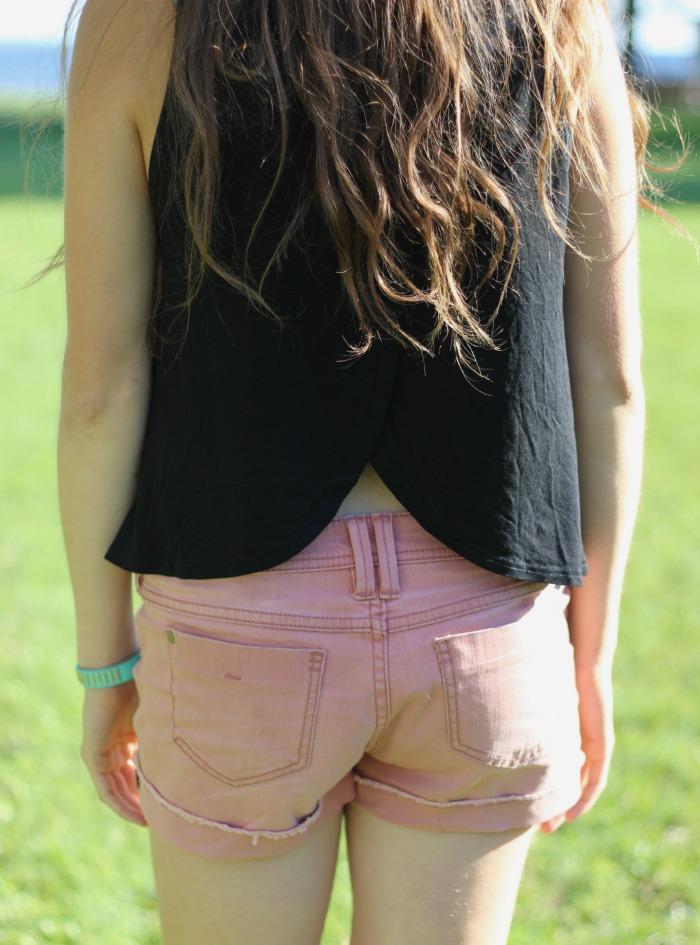 adorable split back shirt