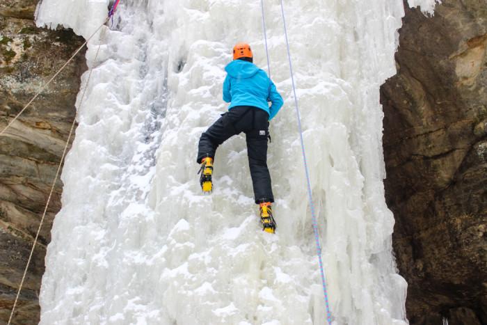 ice climbing-2