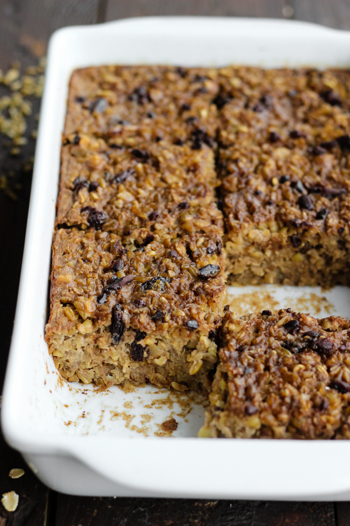 Oatmeal Freekeh Breakfast Bake with walnuts, cacao nibs, and raisins | The Yooper Girl