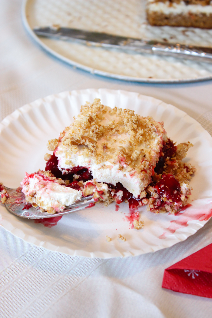 raspberry torte dessert