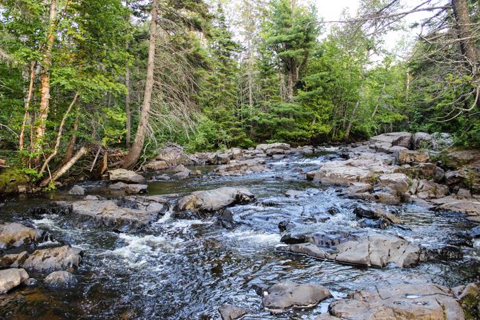 SCENIC RIVER ROCKS