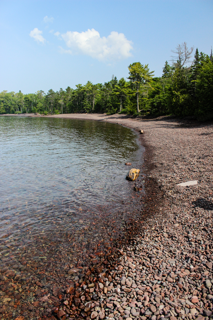 copper harbor rock beach