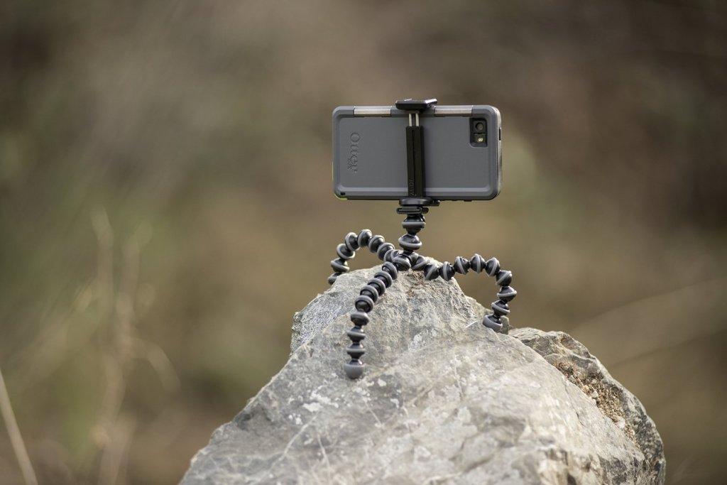 Gorilla pod smartphone