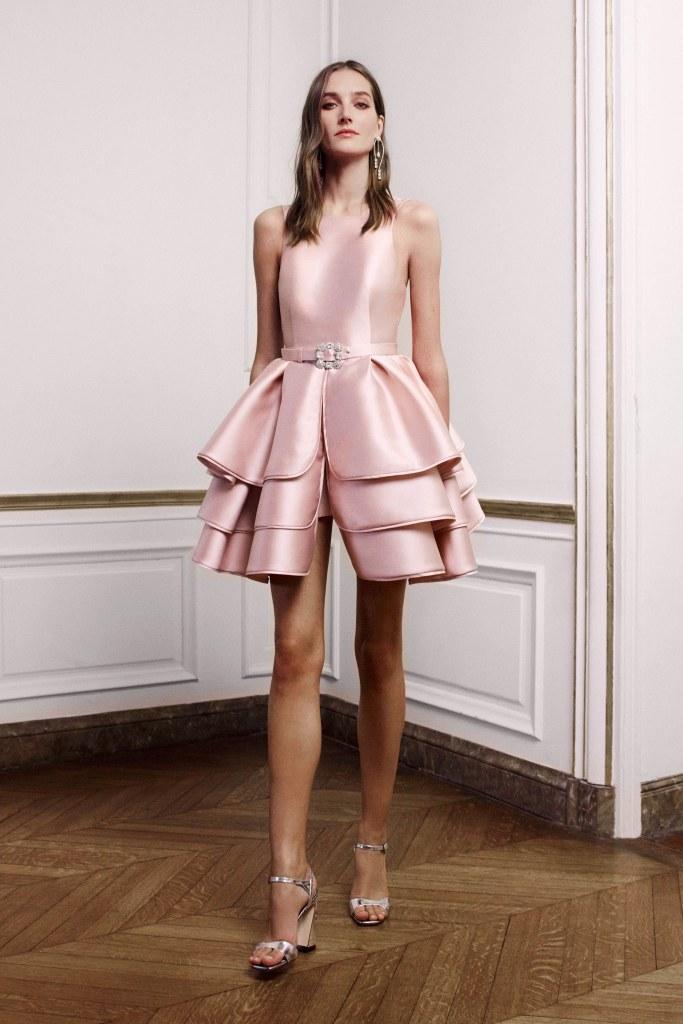 couture spring 2019 runway fashion style valentine's day romantic pink red inspiration alberta ferreti paris