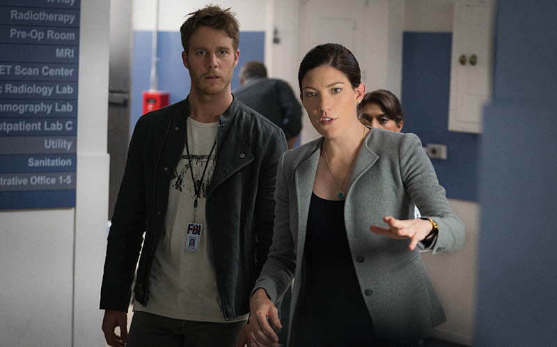"""""""Personality Crisis"""" -- Brian ( left Jake McDorman) learns a shocking secret about Rebecca's (right Jennifer Carpenter) late father but worries that telling her will land him in legal trouble. Also, Brian accidentally meddles in Rebecca's personal life while learning self-defense from her secret boyfriend, FBI Agent Casey Rooks on LIMITLESS, Tuesday, Oct. 20 (10:00-11:00 PM, ET/PT) on the CBS Television Network. Photo: Michael Parmelee/CBS © 2015 CBS Broadcasting Inc. All Rights Reserved."""
