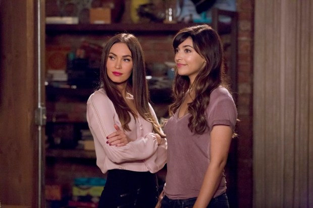 "NEW GIRL: L-R: Guest star Megan Fox and Hannah Simone in the ""Reagan"" episode of NEW GIRL airing Tuesday, Feb. 9 (8:00-8:30 PM ET/PT) on FOX. ©2016 Fox Broadcasting Co. Cr: Ray Mickshaw/FOX"