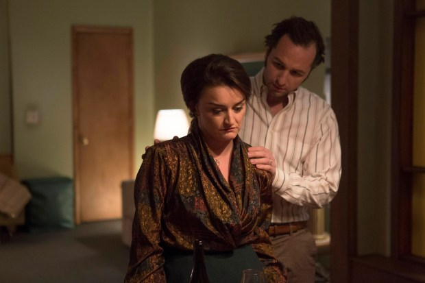 """THE AMERICANS -- """"Clark's Place"""" Episode 405 (Airs, Wednesday, April 13, 10:00 pm/ep) -- Pictured: (l-r), Alison Wright as Martha Hanson, Matthew Rhys as Philip Jennings. CR: Eric Liebowitz/FX"""